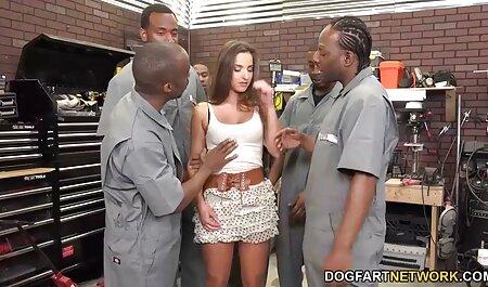 joven sin experiencia le pide a su compañero de ver peliculas x españolas cuarto que le quite la virginidad