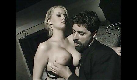 ¡La milf tetona Charlee peliculas pornograficas xxx en español Chase golpea con un gran consolador negro!